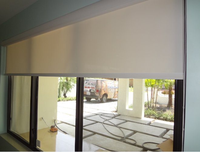 Roller Shades Screen 1% Opened